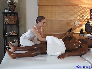 X interracial sex d�nouement a perfidious stud and sexy Lady Bug