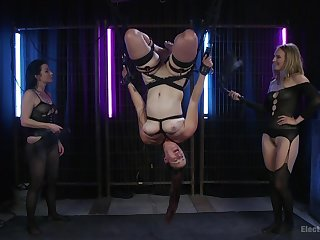 Veruca James loves poking sweet pussy of her best friend. HD