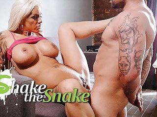 Shake The Snake - Hot Tow-haired Milf Obtain Her Ass DESTROYED