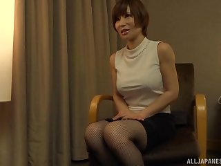 Tiro homemade video of a Japanese wife getting fucked balls deep