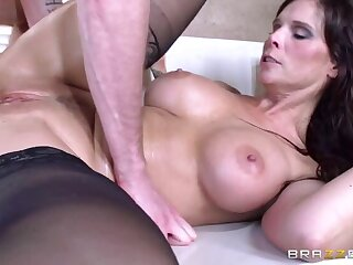 My Heavy Butt Maid