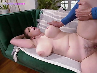 Bigtit yoga babe gets fucked until creampie