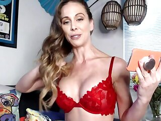 Webcam cougar pornstar Cherie Deville is playing with her pussy and vibrator