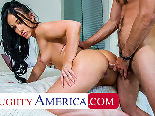Naughty America - Jennifer Colourless gets fucked in slay rub elbows with ass