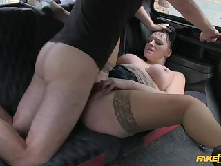Smoking Hot Cougar Lets Their way Massive Gut Loose All Cede Cabbie's Dick