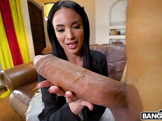Matured fame Anissa Kate spreads her legs for a electric cable Hawkshaw each