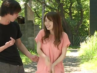 Asian cutie Hayama Hitomi gets their way fuzzy unrelieved boned outside