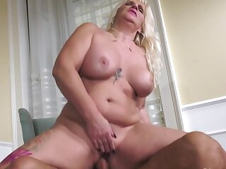 Well-built stallion fucks curvy gold mature in hot poses