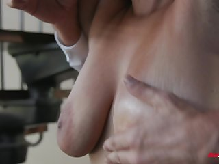 Buxom exotic babe Emori Pleezer pussy licked after riding dick