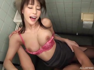 Ayami Shunka gives a blowjob and swallows a cum shot in the bathroom