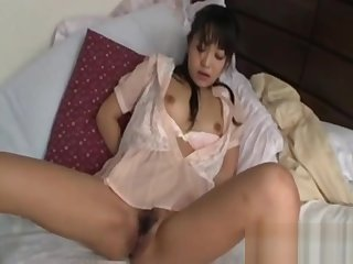 Japanese Cutie Gets Fucked Off out of one's mind Fingers Together with Vibrator