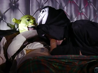 Halloween anal sex with masked Amy Pink and her creepy fucker