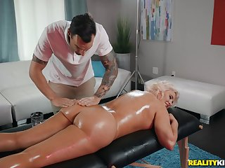 Hot blonde Karissa Shannon enjoys sex encircling her horny masseur