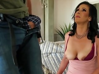 Mariah James - Is A Hottie Milf Dark Haired Lass