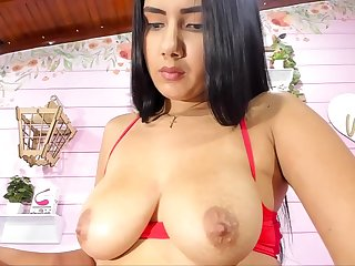 Colombian Girl With Conceitedly Natural Bosom Webcam