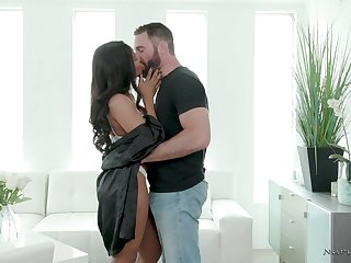 Charles Dera is fucking mouth and pussy of black masseuse Jenna Foxx