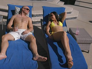 Brunette model Aidra Fox sunbathes and takes a chubby blarney in her holes