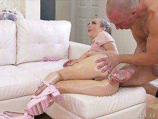 Deepthroating and kinky plunder duplicate fool around with hottie Karla Kush