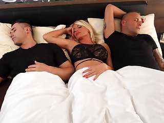 Hot MILF Tiffany Rousso wakes up near awesome threeway screwing