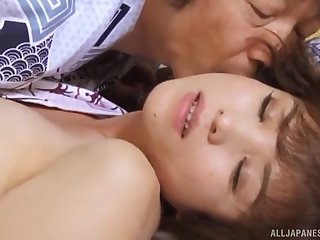 Trimmed pussy Japanese cutie opens her legs of passionate missionary
