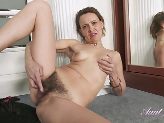 GILF Gerda Misted Workout Leads To Hairy Cunt Rubbing