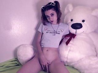 Naomi Dee - Pet my Floccose Pussy